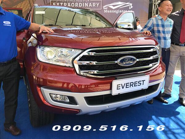"""Các mẫu xe đã hết thời """"bia kèm lạc"""" trong đó có Ford Everest"""