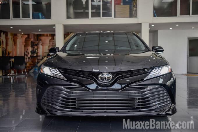 """Đánh giá Toyota Camry 2020 nhập Mỹ, Sứ mệnh của một """"con chiến mã"""""""