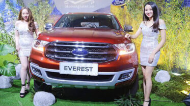 gia-xe-ford-everest-2019-titanium-20-at-2cau-bi-turbo-muaxebanxe-com