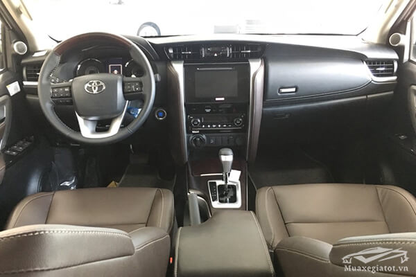 noi-that-fortuner-28v-at-may-dau-so-tu-dong-muaxebanxe-com-7