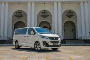 20 300x200 - So sánh khác biệt giữa Peugeot Traveller bản 7 chỗ và 4+2 chỗ ngồi