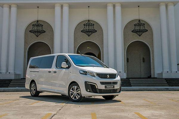 20 - So sánh khác biệt giữa Peugeot Traveller bản 7 chỗ và 4+2 chỗ ngồi