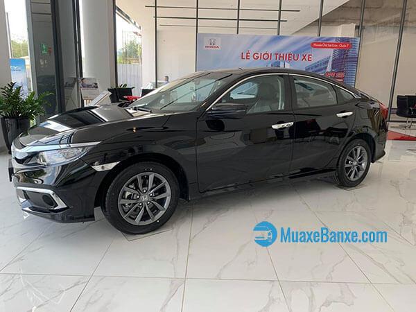 21 - So sánh Honda Civic 1.8E và Kia Optima 2.0AT 2019