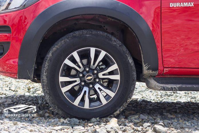 Chevrolet-Colorado-2020-Mamxe-muaxegiatot-com-696x464