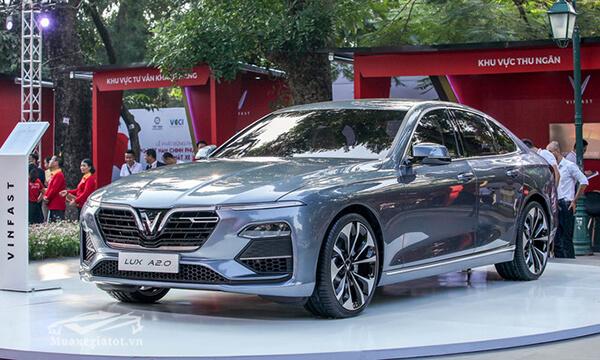 gia-xe-vinFast-lux-a20-2020-sedan-muaxegiatot-com-1