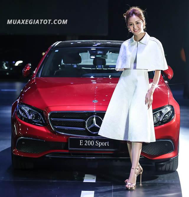 Mercedes E200 hiện là mẫu xe bán chạy nhất phân khúc