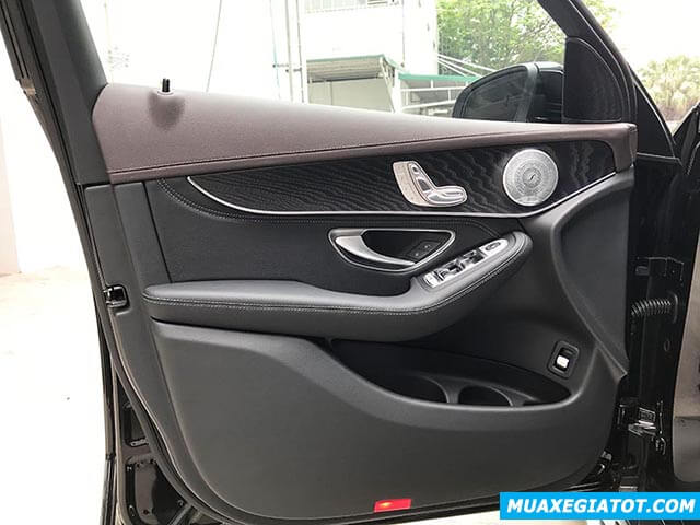 loa-xe-mercedes-glc-300-2019-2020-muaxegiatot-com-16