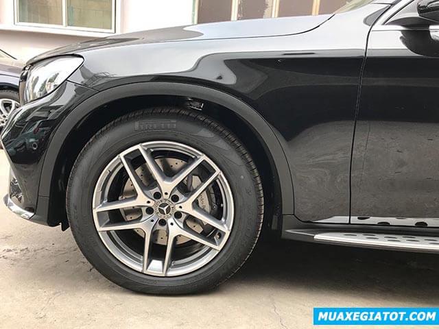 mam-xe-mercedes-glc-300-2019-2020-muaxegiatot-com-3
