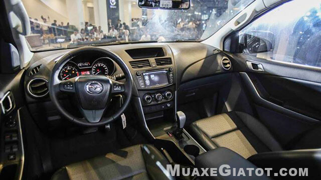 noi-that-mazda-bt-50-2020-muaxegiatot-com