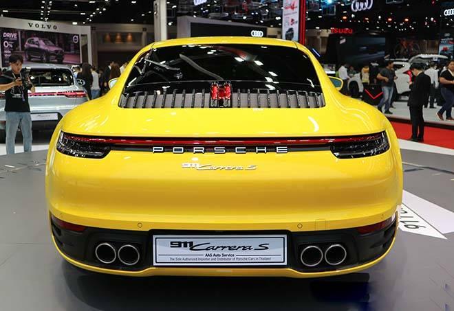 Duoi-xe-Porsche-911-Carrera-S-2020-the-he-moi-MuaxeGiatot-com