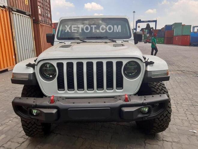 gia-xe-ban-tai-jeep-gladiator-rubicon-2020-xetot-com