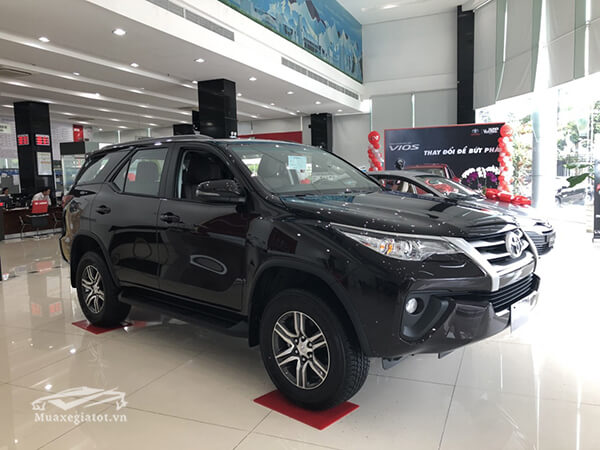 Toyota Fortuner G máy dầu số sàn
