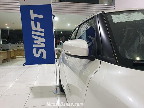 guong-chieu-hau-xe-suzuki-swift-2020-xetot-com-4