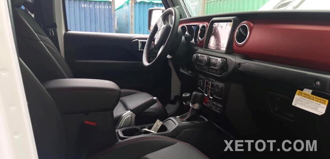 noi-that-xe-ban-tai-jeep-gladiator-rubicon-2020-xetot-com