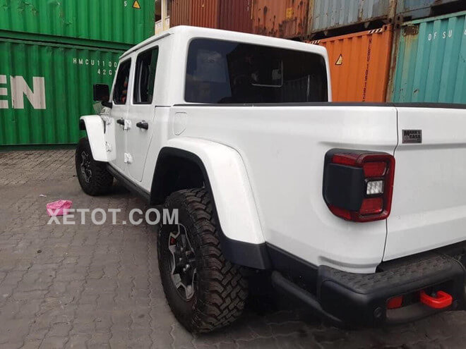 thung-xe-ban-tai-jeep-gladiator-rubicon-2020-xetot-com