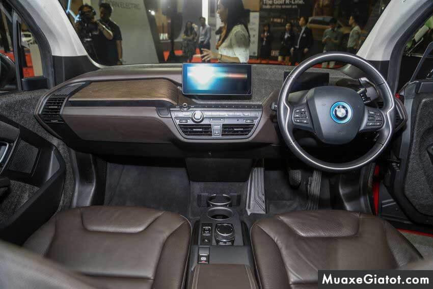 tien-nghi-xe-bmw-i3s-2020-muaxegiatot-com