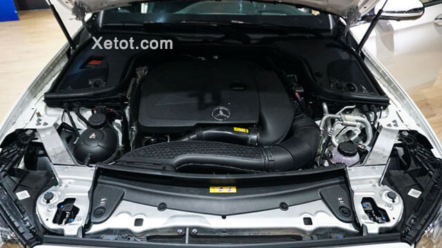 Dong-co-Mercedes-Benz-E-300-AMG-2020-Xetot-com