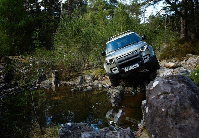 Land-Rover-Defender-2020-Xetot-coom-7