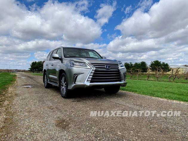 """Khám phá """"Chuyên cơ mặt đất"""" Lexus LX 570 2020"""