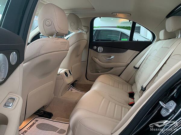 hang-ghe-sau-xe-mercedes-c200-exclusive-2020-Xetot-com