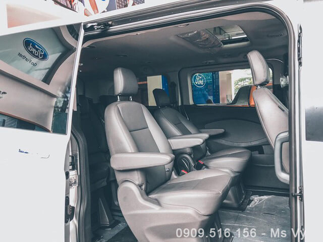 hang-ghe-thu-2-ford-tourneo-2020-Xetot-com