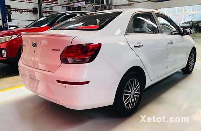 hong-xe-kia-soluto-2020-mt-deluxe-Xetot-com