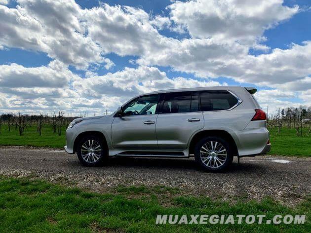 hong-xe-lexus-lx-570-2020-Xetot-com