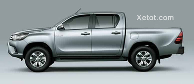 than-xe-toyota-hilux-2-4-4-2-mt-2020-so-san-Xetot-com