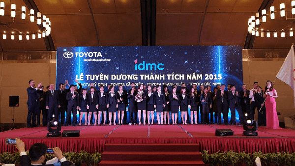 toyota-my-dinh-dai-ly-xuat-sac-2015-Xetot-com