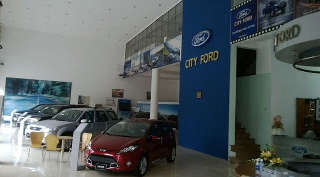 trung-bay-xe-city-ford-tphcm-Xetot-com