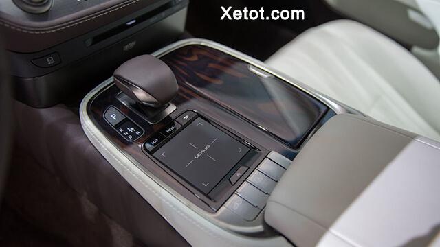 dieu-khien-trung-tam-xe-lexus-ls500-2020-Xetot-com