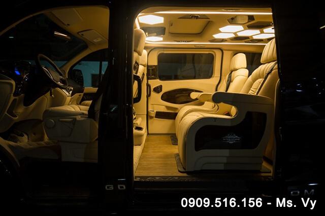 hang ghe thu hai xe ford tourneo limousine 2020 Xetot com - Giới thiệu Ford Tourneo Limousine 2021, Xe dành cho người giàu?