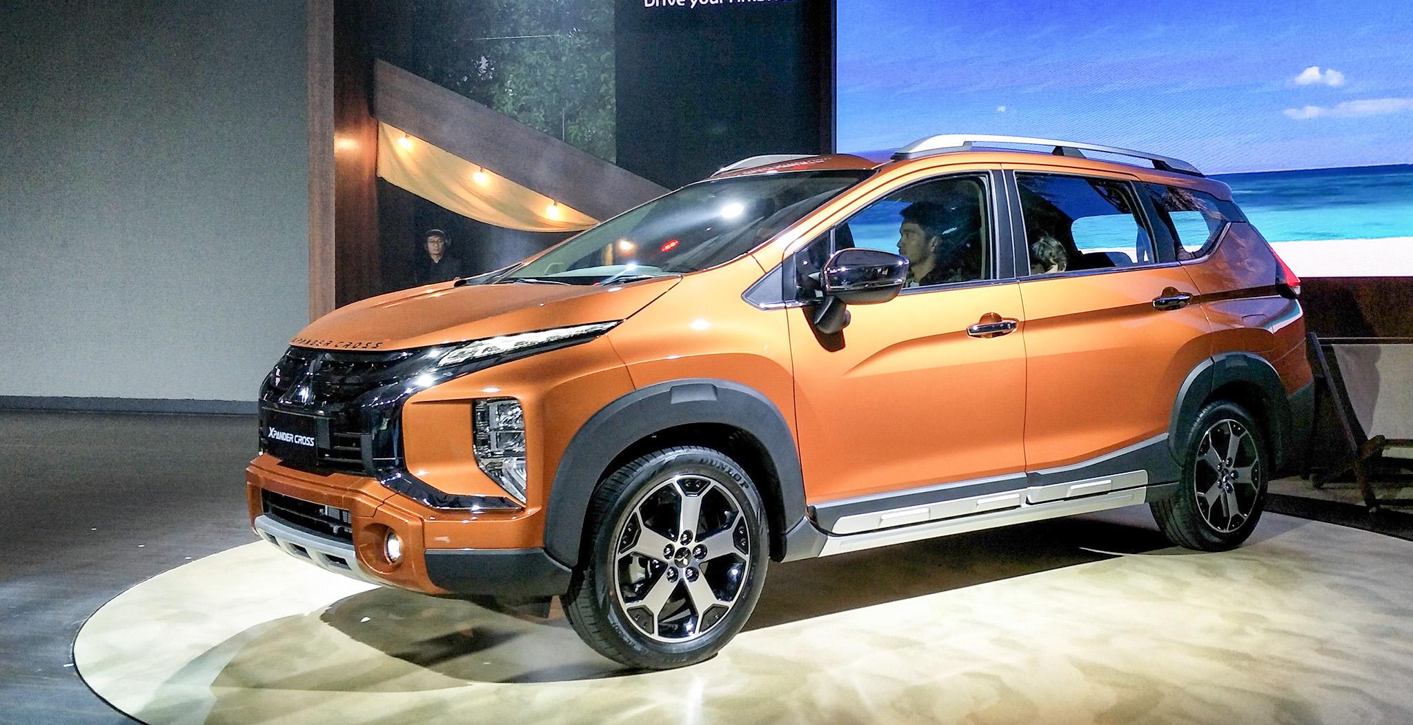 """1 mitsubishi xpander cross 2020 xetot com - So sánh: Suzuki XL7 liệu có """"quật ngã"""" được Xpander Cross?"""