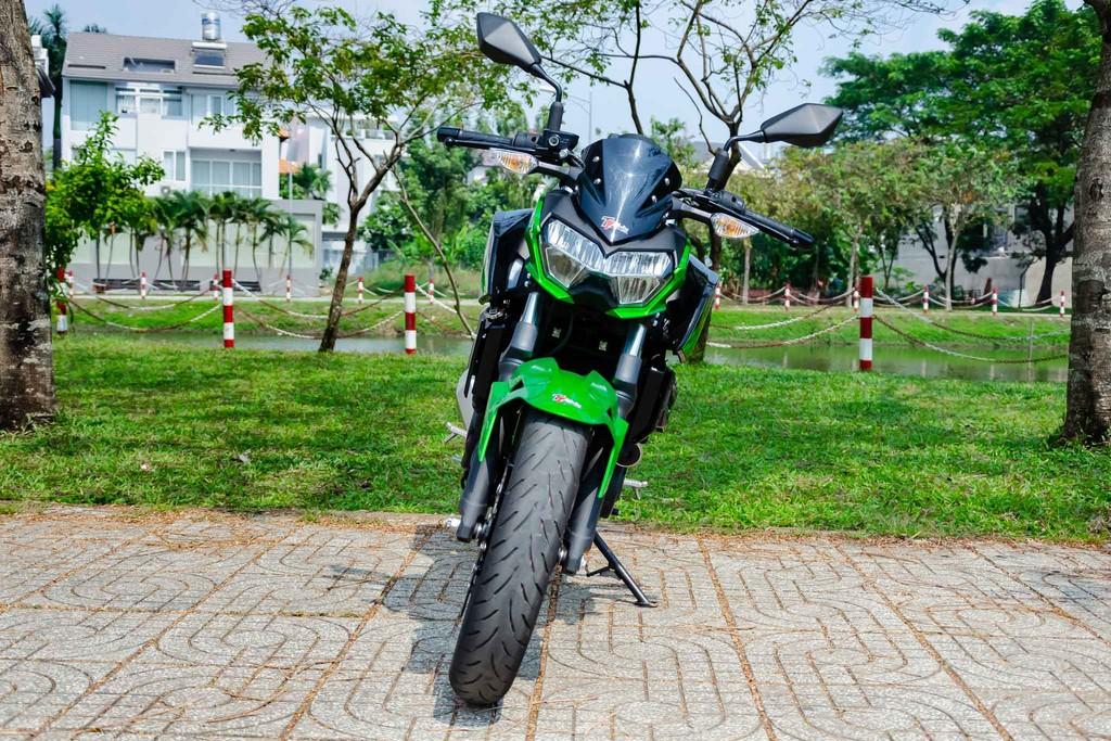 Kawasaki Z400 05 Xetot - Đánh giá Kawasaki Z400 2021: Naked bike trẻ trung đối đầu Honda CB300R
