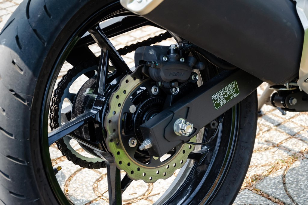 Kawasaki Z400 20 Xetot - Đánh giá Kawasaki Z400 2021: Naked bike trẻ trung đối đầu Honda CB300R