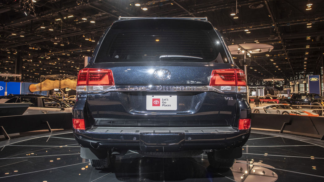 can-xe-2020-toyota-land-cruiser-heritage-edition-xetot-com