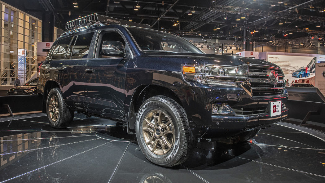 gia-xe-2020-toyota-land-cruiser-heritage-edition-xetot-com