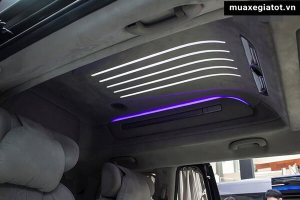man-hinh-tran-kia-sedona-limousine-2020-xetot-com-9