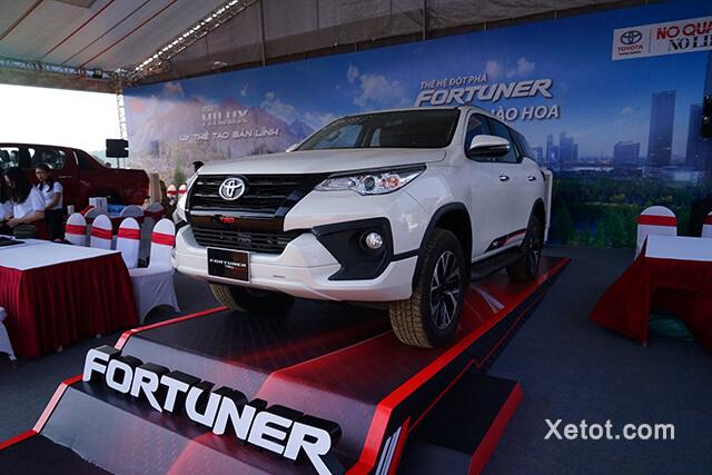 xe-toyota-fortuner-2020-Xetot-com