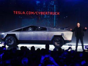 """5 300x225 - Siêu xe bán tải điện """"lập dị"""" Tesla Cybertruck"""