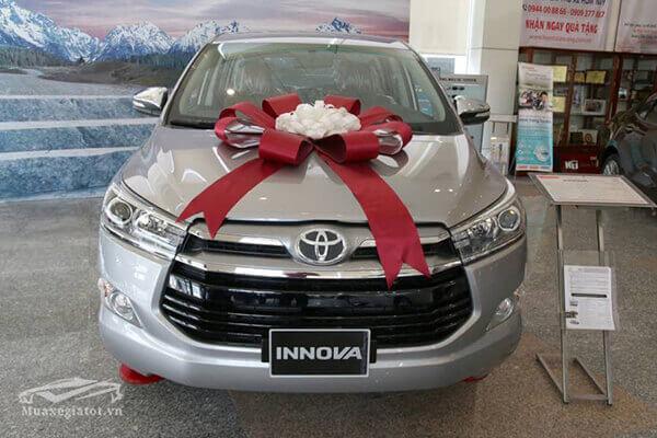 Chi tiết xe Toyota Innova 2.0V 2020, Tinh hoa xe đa dụng của Toyota