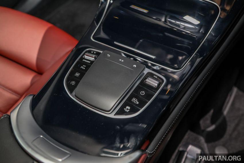 dieu-khien-trung-tam-mercedes-glc-300-coupe-2020-malaysia-xetot-com