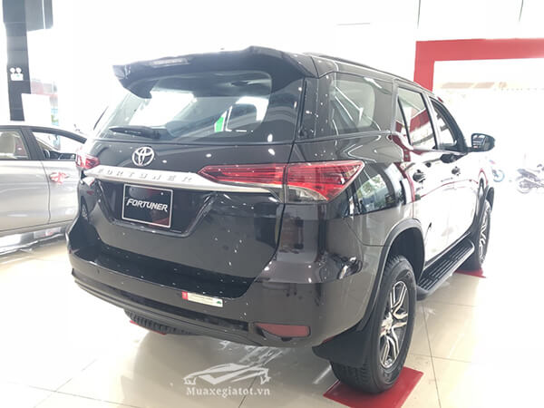 duoi-xe-fortuner-24g-mt-may-dau-so-san-xetot-com-3
