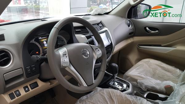 ghe-lai-xe-nissan-Navara-VL-A-IVI-2020-Xetot-com