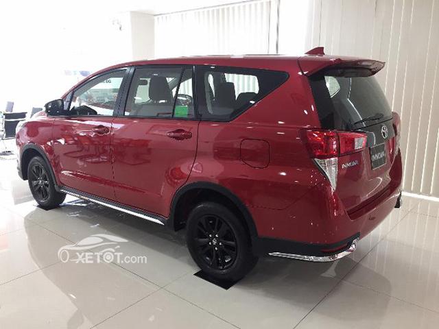 hong-xe-innova-venturer-2020-xetot-com