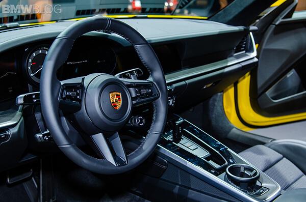noi-that-xe-porsche-911-2020-Xetot-com-7