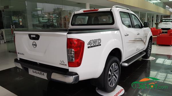 thung-ban-tai-xe-nissan-Navara-VL-A-IVI-2020-Xetot-com