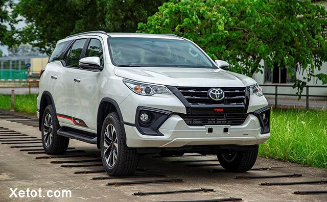2 1 - Tại sao Toyota Fortuner giảm giá sau chuỗi ngày thăng hoa