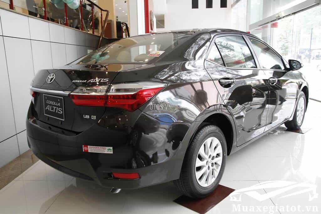 Toyota-Corolla-Altis-1-8E-MT-2020-Mau-den-4-xetot-com