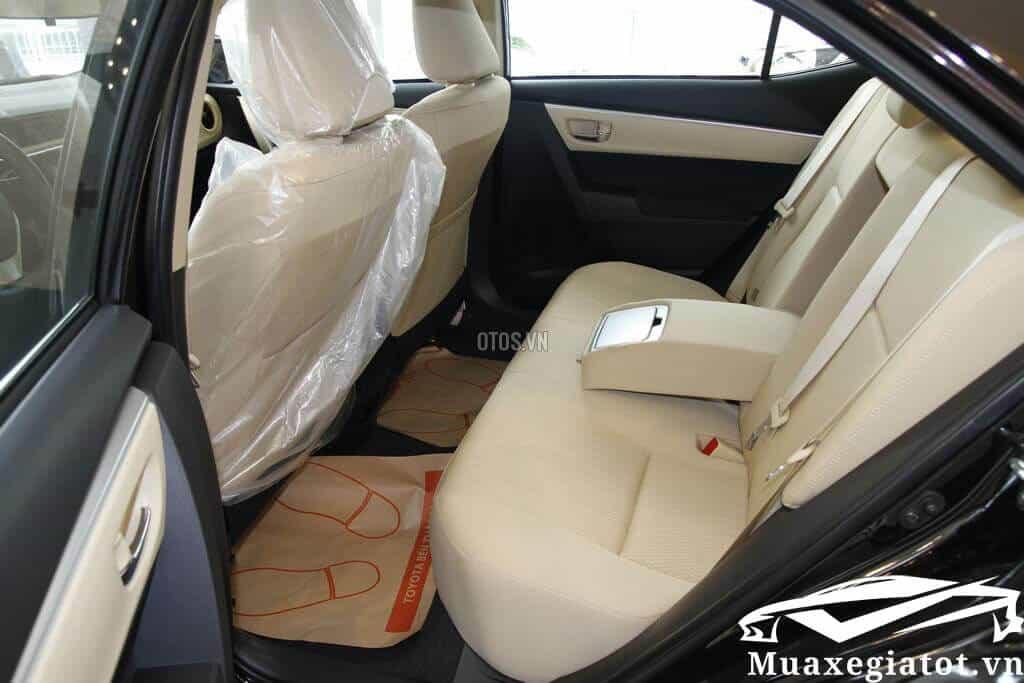Toyota-Corolla-Altis-1-8E-MT-2020-Mau-den-8-xetot-com